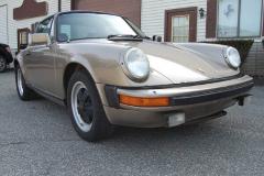 Porsche 911 SC Targa Gold 1982